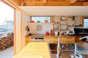 心地いい自然の光がうれしいキッチン