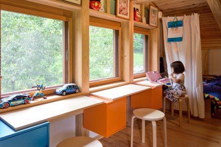 子どもたちの自由になる居場所のあるシンケンスタイルの木の家(福岡・鹿児島)