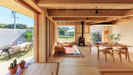 大きな窓と薪ストーブのあるシンケンスタイルの木の家_福岡・鹿児島注文住宅