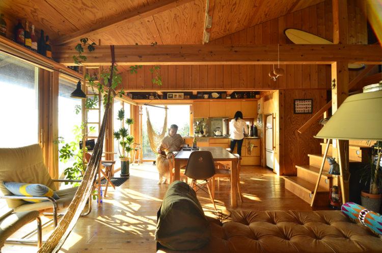 太陽熱の床暖房で、家じゅうが心地いい