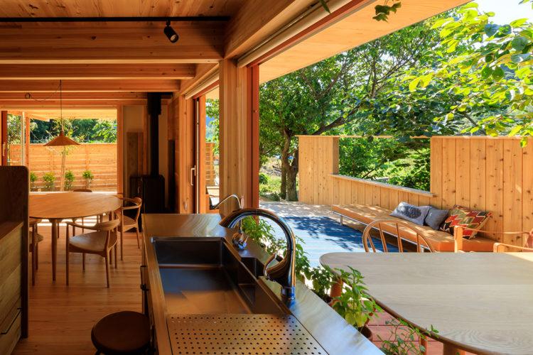 キャンプ場の麓 自然と暮らす木の家