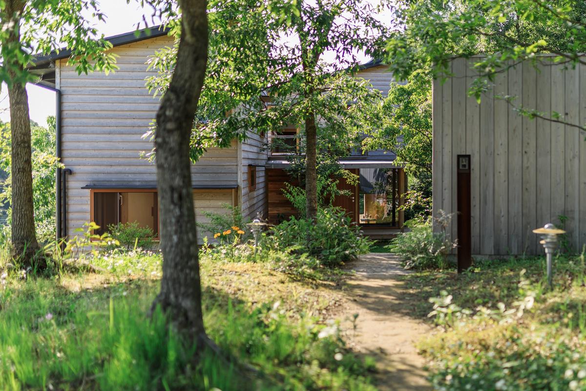 森の中の家・外観