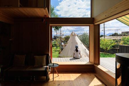 移住に向け、遠隔での家づくり。<br>庭でキャンプを楽しむ家