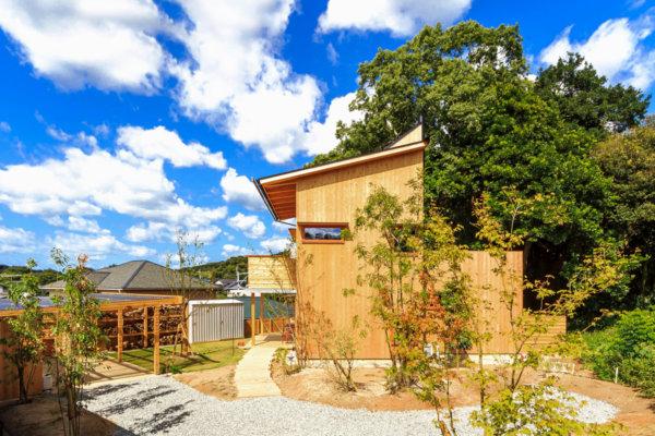 築8年、木の家の外観